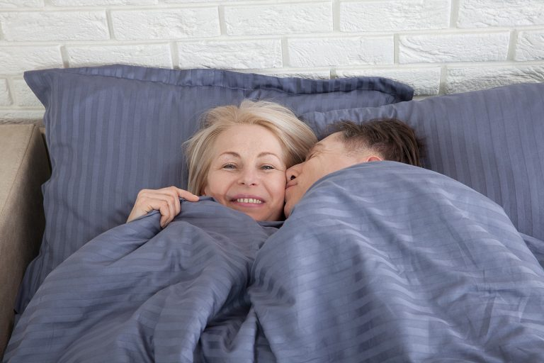 Sem tabus: libido e o sexo permanecem após os 60 anos. - Viver a Vida