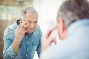 Autoestima: o medo de ficar feio depois dos 50 - Viver a Vida