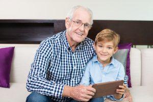 Família moderna: como é a nova relação entre netos e avós? - Viver a Vida